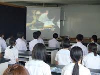 授業や行事の様子を紹介